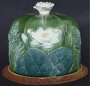 Holdcroft_Pond_Lily_Cheese_Bell