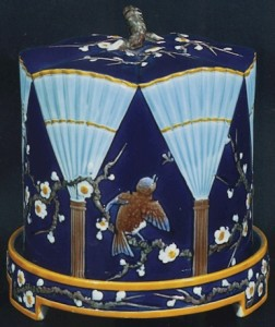 Wedgwood_Bird_And_Fan_Cheese_Bell