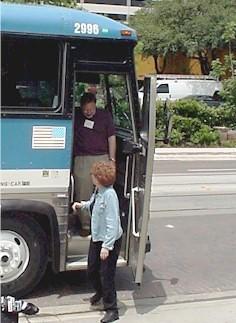 2001s_bus02