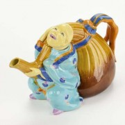 Chinaman and gourd teapot