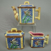Bird and iris teaset