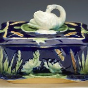 Swan and pond lily sardine box