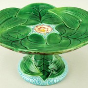 George Jones pond lily cakestand