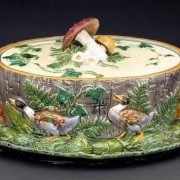 Minton fox and duck game pie dish with mushroom finial