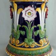 Minton passion flower garden seat
