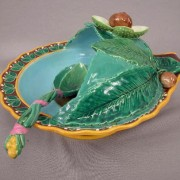 Minton roasted chestnut server with spoon