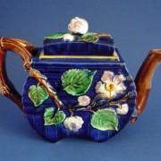 Wild rose aesthetic teapot