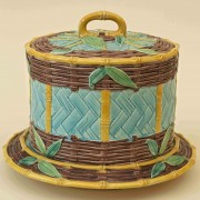 Bamboo and basketweave cheese keeper