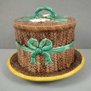 Basketweave and bow cheese keeper